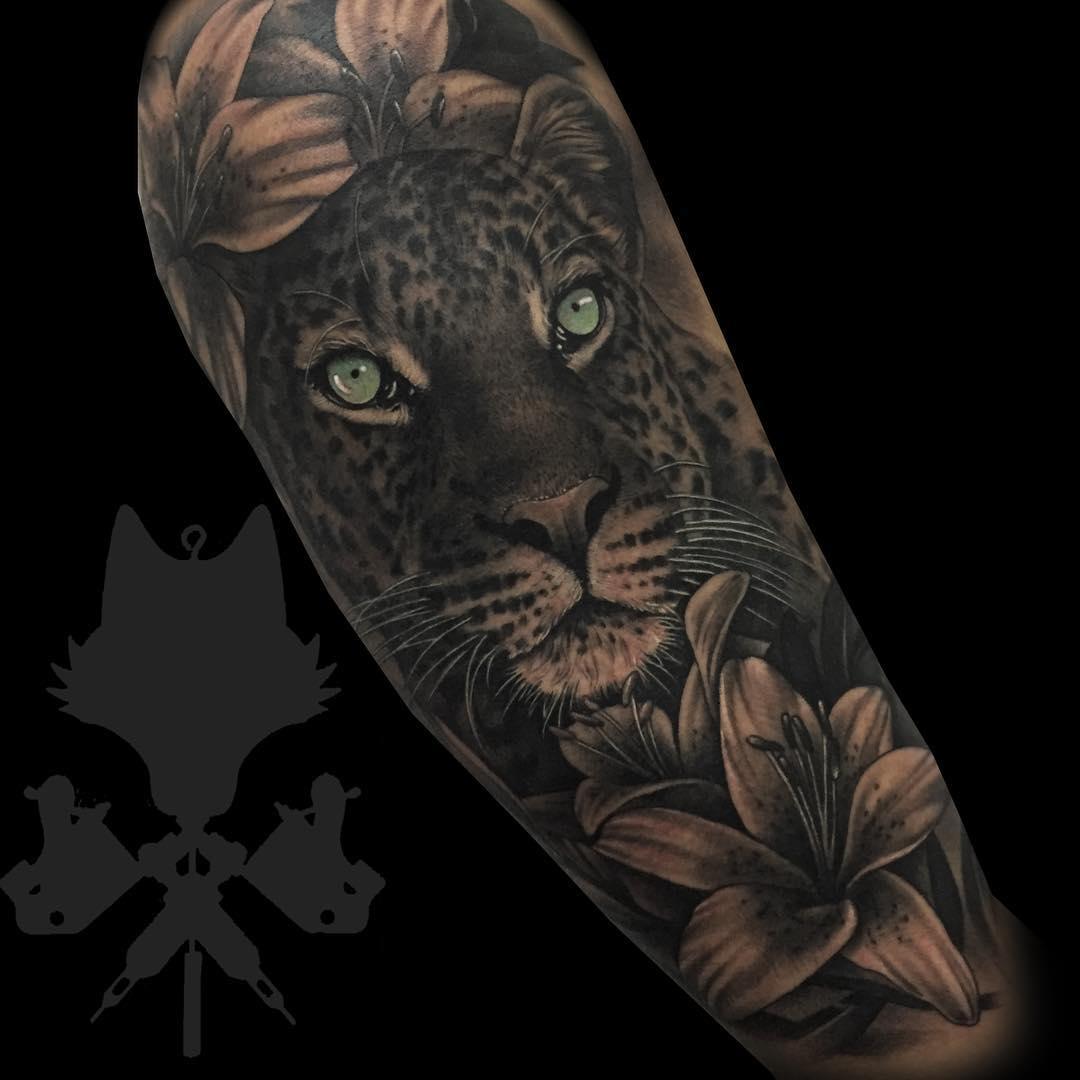 Tatuaje Leona Realismo Blancoynegro Mujer Antebrazo Grande Okamitattoo Jpg Obsession Tattoo