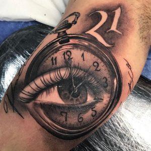 Tattoo reloj y ojo