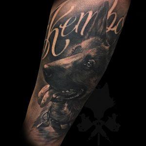 tatuaje realismo perro