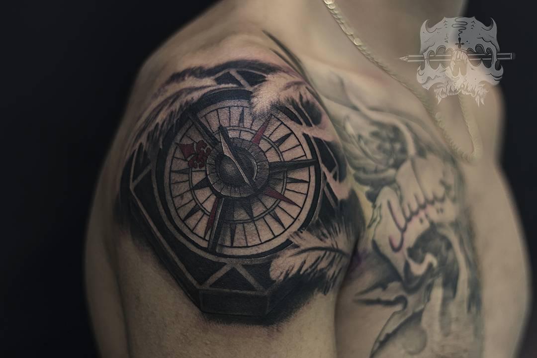 Rosa De Los Vientos Obsession Tattoo