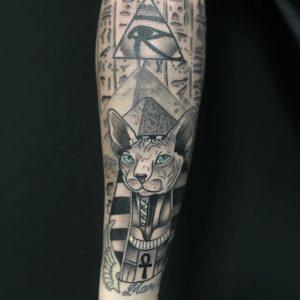 tatuaje de gato egipcio
