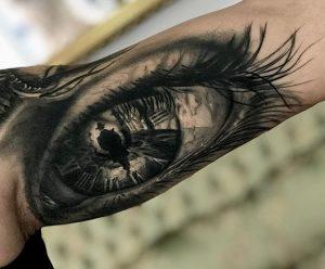 Realismo, tatuaje de un ojo