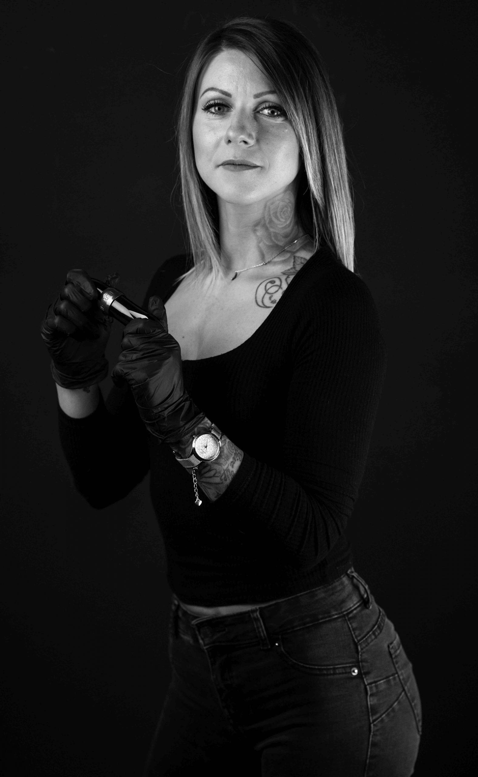 Kity tatuadora en Obsession Tattoo valenxia