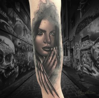 Tatuaje de ángel black and grey.
