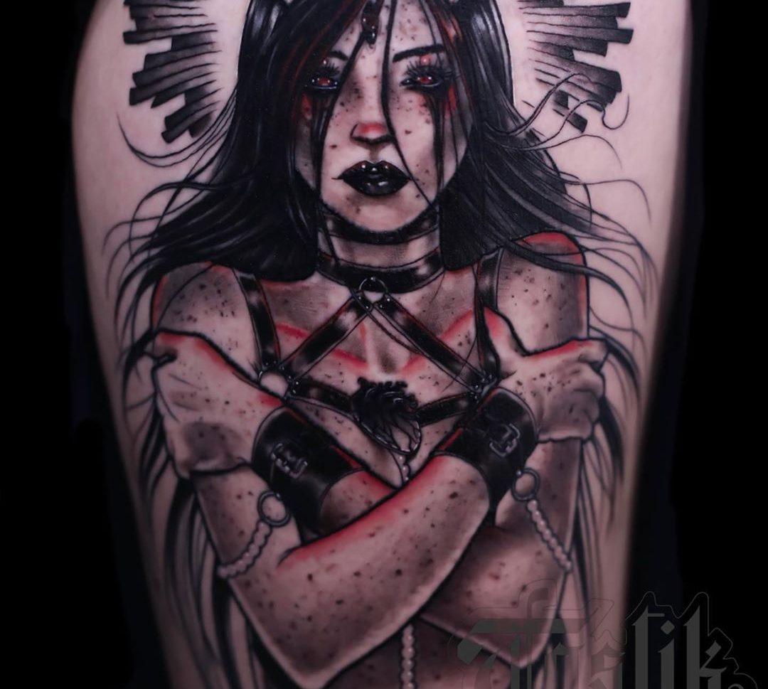 Tatuaje mujer demonio estilo neotradicional.