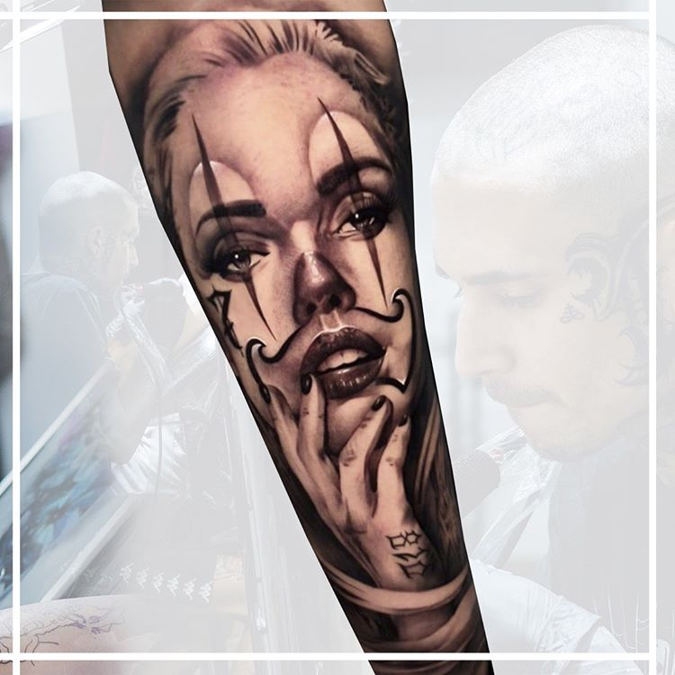Tatuaje retrato en realismo.