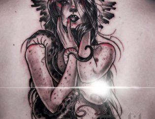 Tatuaje chica demonia neotradicional.