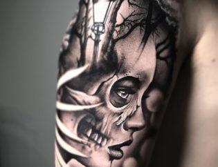 Tatuaje mujer en realismo blanco y negro.
