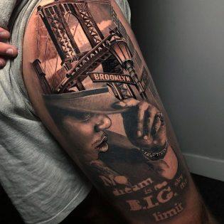 Tatuaje grande en realismo realizado en Obsession Tattoo Valencia
