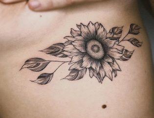 Tatuaje de flores pequeñas