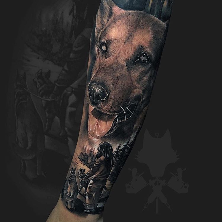 Tatuaje de perro en realismo black and grey.