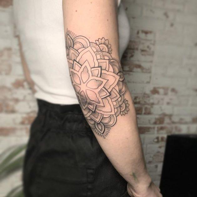 Tatuajes geométricos en Valencia.