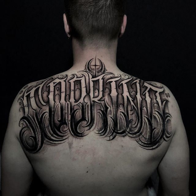 Tatuajes de letras en Valencia.