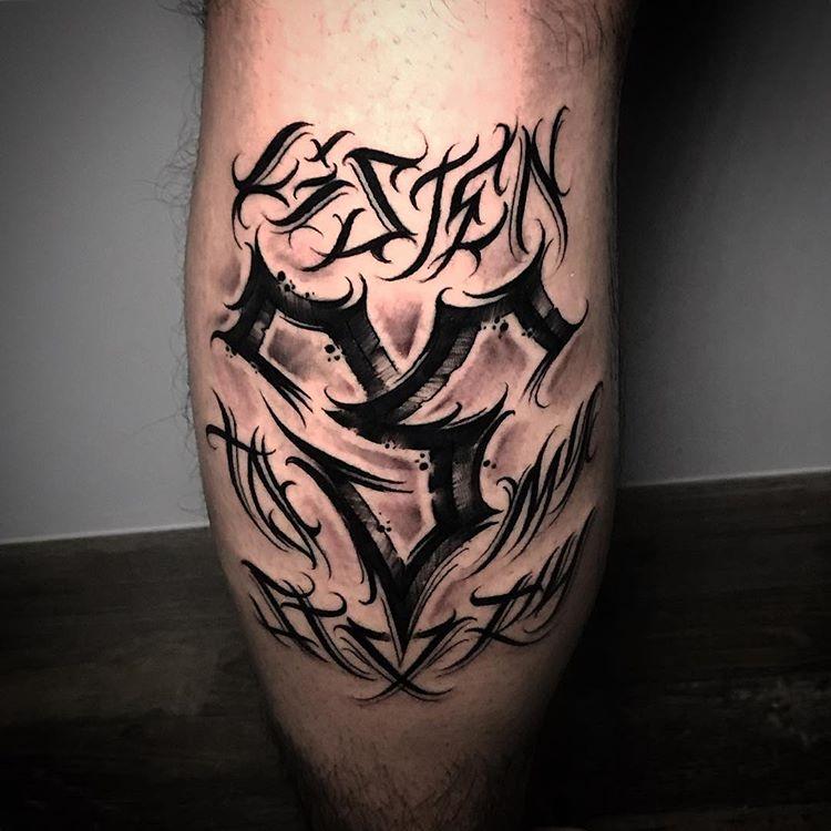 Tatuaje lettering en Obsession Tattoo Valencia.