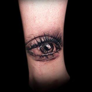 Tatuaje ojo en realismo en Valencia