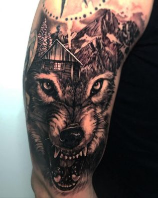 Tatuaje lobo hombre
