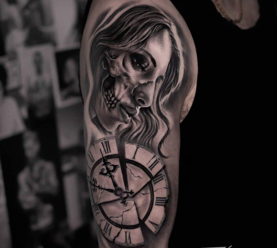 Tatuaje calavera en realismo