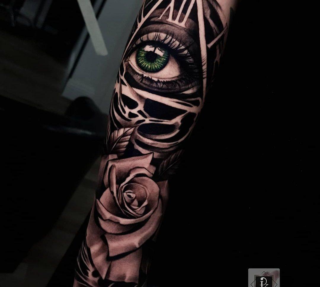 Tatuaje grande en realismo