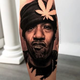 Tatuaje retrato en realismo